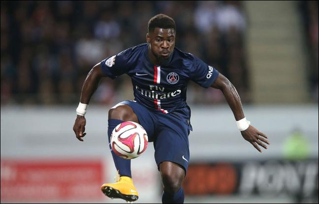 Été 2014, David Luiz signe en provenance de Chelsea, et Paris obtient le prêt d'un défenseur droit, qui est-ce ?
