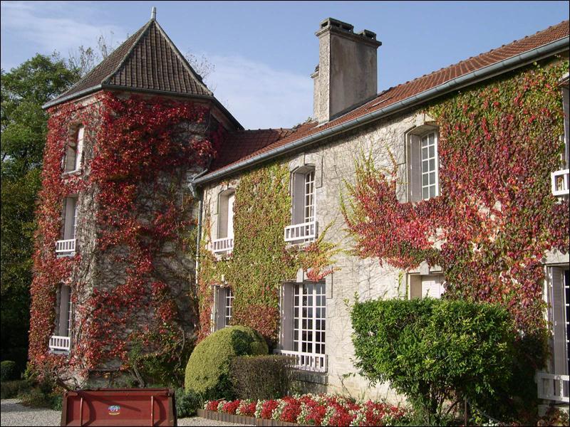 Comment s'appelle la maison de la famille de Gaulle à Colombey-les-deux-Eglises ?