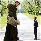 """L'acteur Matthew McGrory, qui joue Karl le géant dans """"Big Fish"""", détient le record du monde..."""