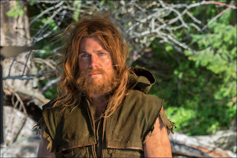 Combien de temps Oliver Queen a-t-il été porté disparu avant d'être retrouvé ?