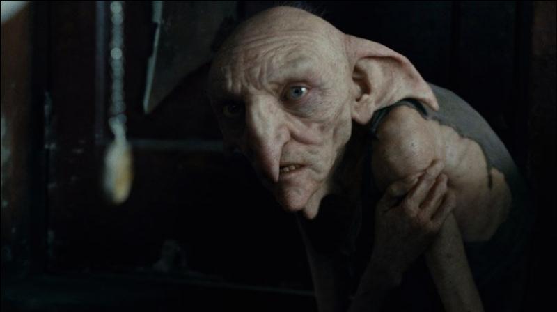 A la mort de Sirius de qui Kreattur voulait-il être l'elfe de maison ?