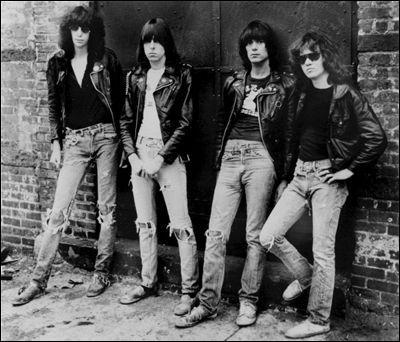 Quel groupe est considéré comme le fondateur du punk rock ?