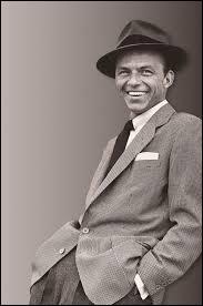 Combien d'albums Frank Sinatra a-t-il vendus au total ?
