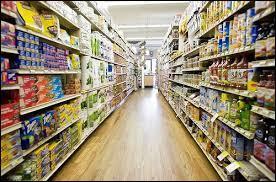 Un rayon est une allée dans un magasin. C'est aussi en géométrie un...