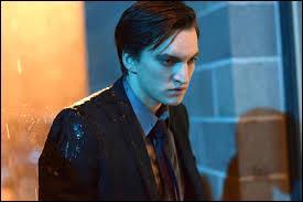 Lors d'une fête à laquelle Bradley l'emmène, Norman découvre malencontreusement que celle-ci a un petit ami. Comment s'appelle-t-il ?