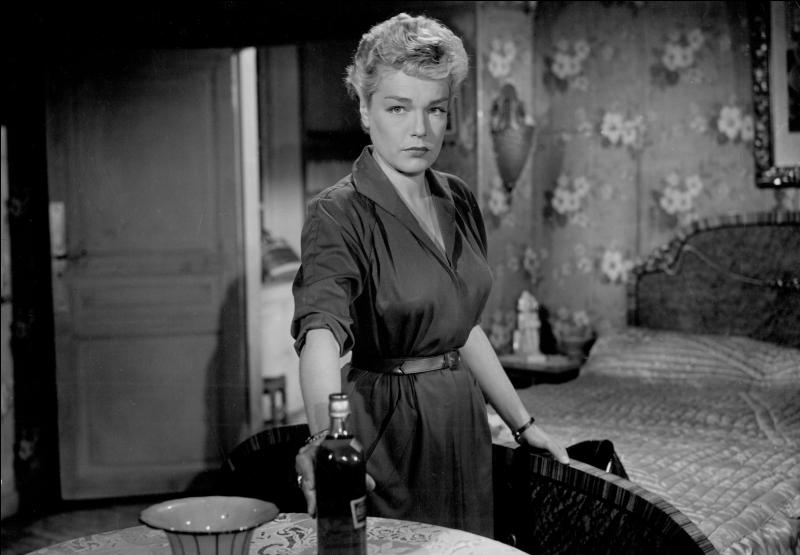 """Quelle actrice française, """"Casque d'or"""" en 1952, incarne une enseignante dans le film """"Les Diaboliques"""" de Clouzot ?"""
