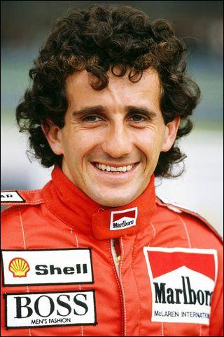Ce pilote de Formule 1, quatre fois champion du monde, voit le jour le 24 février dans la Loire. C'est...
