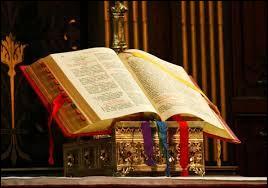 Dans quel livre liturgique trouve-t-on les textes de la célébration de la messe (prières, chants, lectures) ?