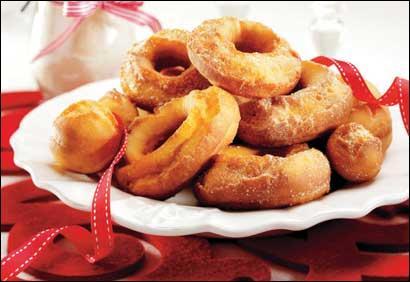 Au Québec, beignet sucré en forme d'anneau :