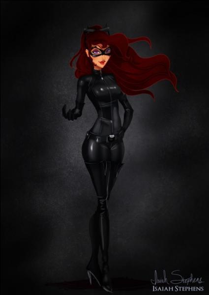 Qui se cache derrière le costume de Catwoman ?