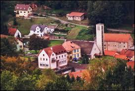 Village lorrain dans le Pays de Bitche, Hanviller se situe dans le département ...