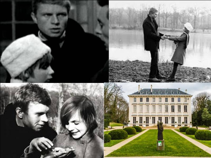 C'est un film dramatique français de 1963, il a été réalisé par Serge Bourguignon.Hardy Krüger, Nicole Courcel, Patricia Gozzi… font partie de la distribution. C'est l'histoire de deux malheureux, malmenés par la vie. Un homme, pilote devenu amnésique et une fillette abandonnée par son père dans une institution de banlieue…Quel est ce film ?