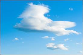 Quel est le nom de ce nuage ? Indice - ils annoncent un changement de temps mais ne sont pas accompagnés de précipitations