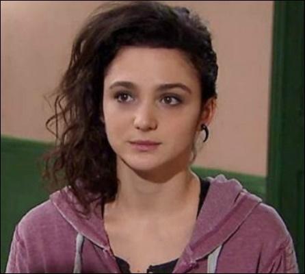 Dans quelle série télévisée Pauline Bression joue-t-elle le rôle d'Emma ?