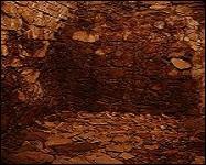 Ce fut un trou aux bords maçonnés situé dans la cave.