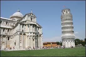 Pourquoi la tour de Pise est-elle si inclinée ?