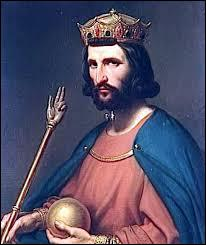 Durant quelle période Hugues Capet fut-il le roi des Francs ?