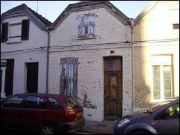 Dans quelle région de France se trouve la maison qui saigne ?