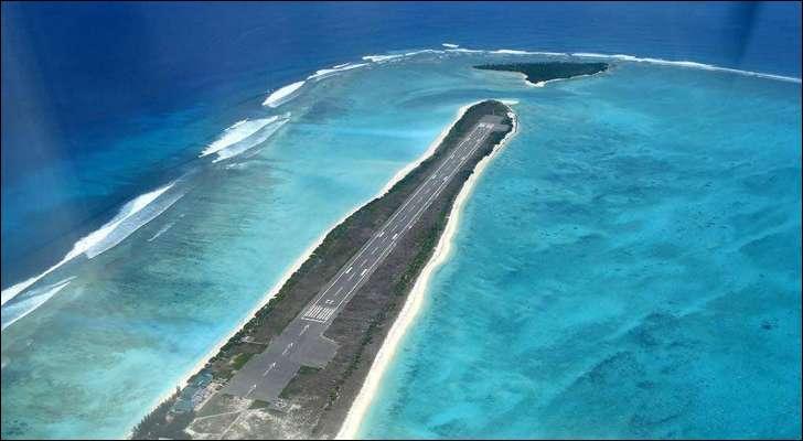 L'unique piste de l'aéroport de Barra est construite sur le sable : dans quel pays ?