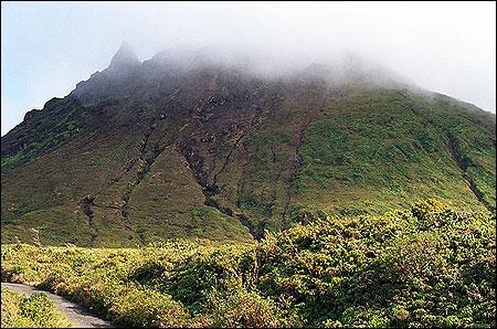 Voici un des 10 volcans actifs, parmi les plus impressionnants du monde. Lequel est-ce ?