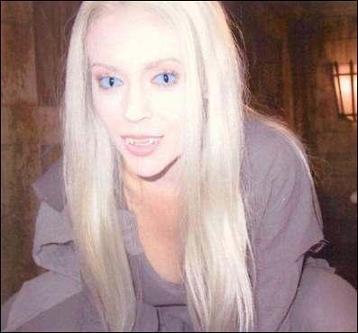 En quoi est déguisée Phoebe ?