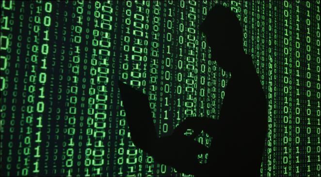 """Quel est ce logiciel créé en 1970 par les Américains pour le département de la Justice ? Il est capable de lire et d'intégrer toujours simultanément n'importe quels chiffres issus de différents systèmes informatiques ou bases de données, et ce, quel que soit le langage. Son histoire est maudite, il serait responsable d'une douzaine de victimes mortes """"accidentellement""""."""
