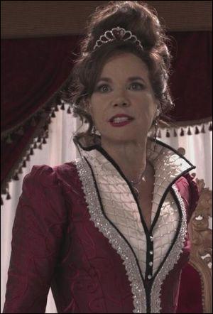 Once upon a time : Qui Regina a-t-elle envoyé aux pays des merveilles pour tuer sa mère ?