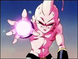 Qui Goku et Vegeta sauvent-ils avant que Boo détruise la Terre ?