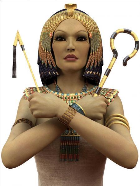 Reine d'Égypte antique de la famille des Ptolémées, Cléopâtre VII est surtout connue pour ses relations avec Marc Antoine et Jules César. Quel est le nom du fils né de son union avec ce dernier ?