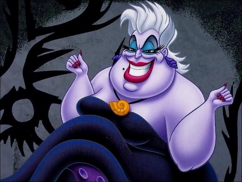La méchante pieuvre Ursula dans la petite sirène, va mourir d'un façon assez spectaculaire.