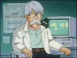 Ce papy un grand scientifique, il adore sa fille adorée et est marié à une femme blonde !