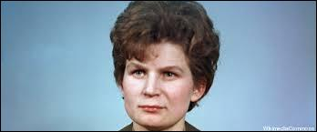 Valentina Terechkova. Pourquoi cette femme russe est-elle célèbre surtout dans les pays de l'ex-union soviétique (URSS, Roumanie, Bulgarie, RDA, etc.) et pays amis ? Elle est …