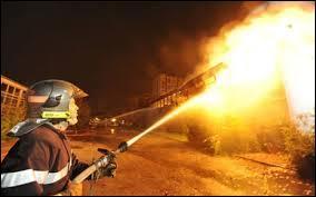Quel corps de métier a pour rôle d'éteindre les incendies ?