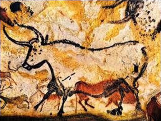 Quelle grotte ornée de peintures préhistoriques datant du paléolithique (peinte entre -18 000 et -17 000 ans avant notre ère), a été découverte par 4 enfants et 1 chien, le 8 septembre 1940 ?