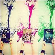 """Comment le fantôme qui apparaît uniquement dans le jeu vidéo """"Harry Potter : Coupe du monde de quidditch"""", se nomme-t-il ?"""