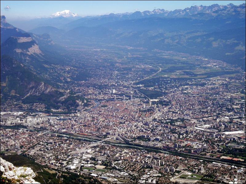 Quelle est la principale ville française des Alpes ?
