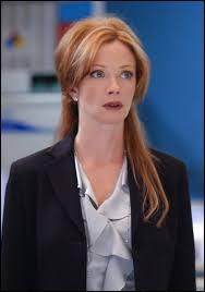 Dans quelle série Lauren Holly incarne-t-elle la directrice Jenny Shepard ?