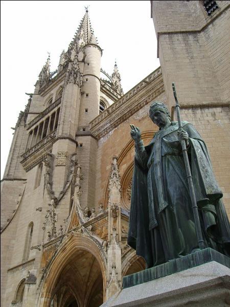 Cette ville, la plus importante de la Lozère, a donné son nom au mont Mimat au pied duquel elle est construite. Témoin de l'époque prospère liée à la papauté, c'est...