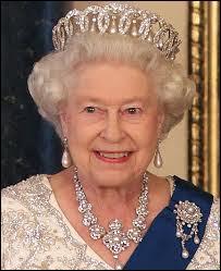 Sachant que nous sommes en Septembre 2015, depuis combien de temps la Reine Elizabeth II règne-t-elle ?