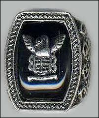 À qui appartient ce bijou et à qui appartenait-il ?