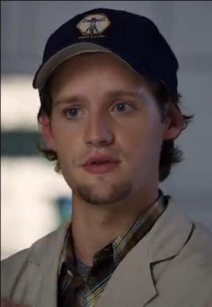 Dans quelle saison voit-on pour la première fois Finn Abernathy ?