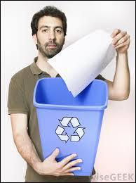 """Comment traduire en anglais """"Jette le papier à la poubelle."""" ?"""