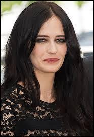 Un jour l'actrice française Marlène Jobert épousa un dentiste suédois. Les deux fabriquèrent des jumelles dont l'une est actrice parfaitement bilingue travaillant surtout aux USA et en Angleterre. Son prénom est ?