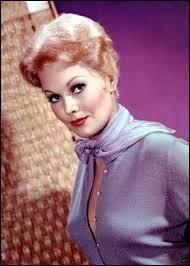 KIM Novak était l'une des grandes stars de l'âge d'or hollywoodien, mais KIM n'était pas du tout son vrai prénom, elle qui s'appelait Marilyn. Le studio voulait lui imposer quel prénom ?