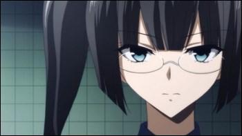 Je suis un assassin de la Classe Noire et je suis spécialisée dans les bombes. Qui suis-je ?