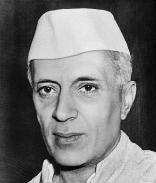 Il est aussi une figure de proue de la lutte pour l'indépendance de l'Inde. Beaucoup moins connu que Gandhi, il se nomme :