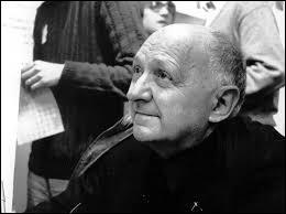 L'abbé Pierre, après avoir créé les logis à Noisy-le-Grand en 1954, a demandé de l'aide. Un autre ecclésiastique est venu :