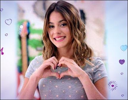 Dans la saison 1, qui a réussi à voler le cœur de Violetta ?