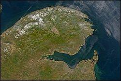 La baie des Chaleurs ne se situe pas sous les Tropiques, où se trouve-t-elle ?