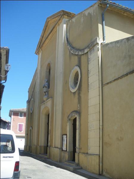 L'œnotourisme a pris une place importante dans cette ville du Vaucluse, située à proximité du mont Ventoux. Où irez-vous pour tout connaître des métiers et techniques de la vigne et du vin ?
